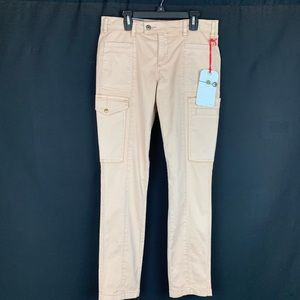NWT. Daughters of Liberty Skinny Jeans. Size 28.